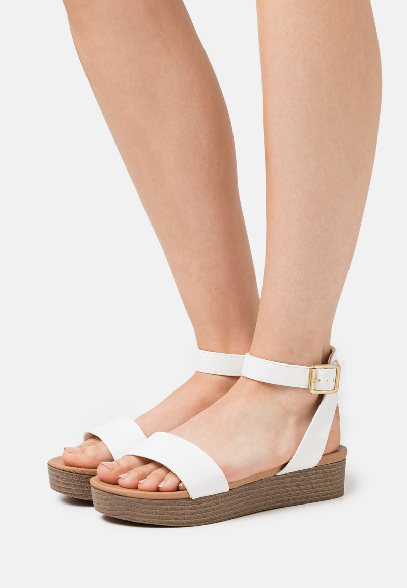 New Look - GENIUS - Sandalias con plataforma - white