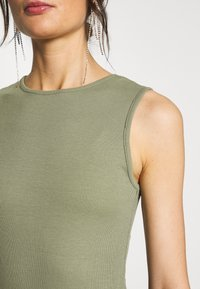 Missguided - SLEEVELESS BODYSUIT 2 PACK - Top - black/khaki - 6