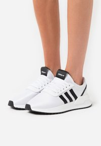 adidas Originals - U_PATH SPORTS INSPIRED SHOES - Trainers - footwear white/core black - 0