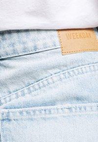 Weekday - MEG HIGH MOM WASHED BACK - Jeans straight leg - morning blue - 4