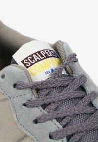 Scalpers - SKULL  - Trainers - light grey - 8