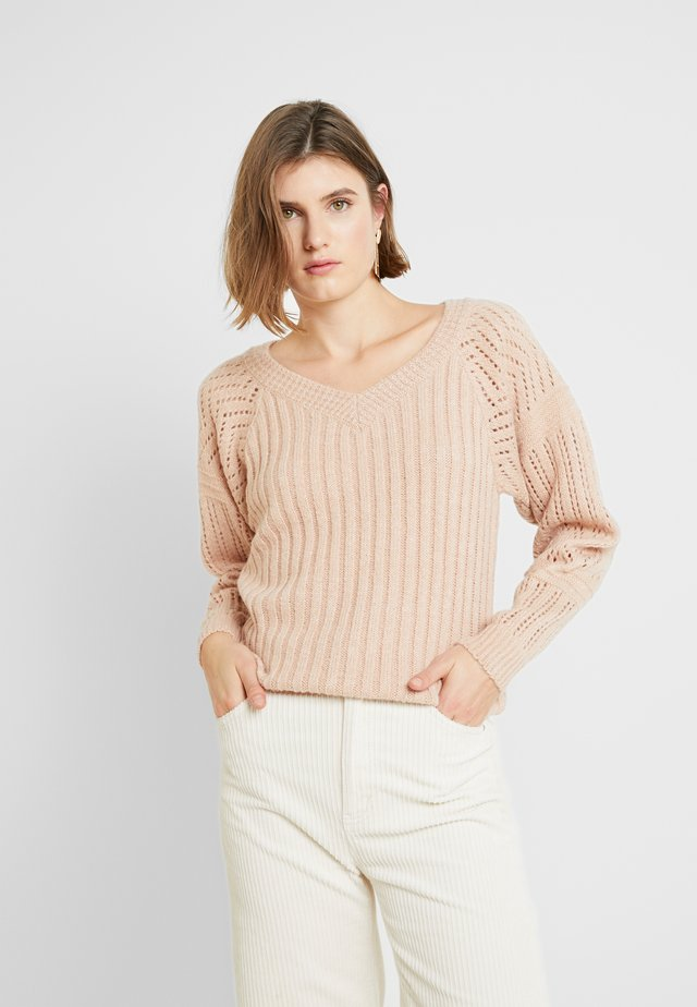 MONO V CRICKET JUMPER - Jumper - pink