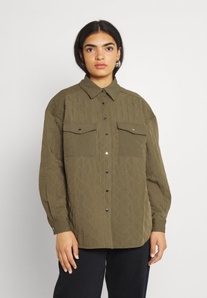 QUILTED OVERSIZED OVERSHIRT - Short coat - olive green