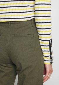 Sisley - TROUSERS - Pantaloni - khaki - 6