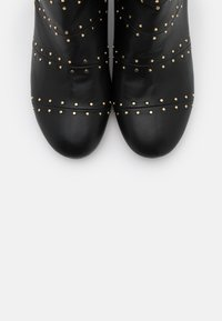 Shoe The Bear - BESS - Classic ankle boots - black - 5