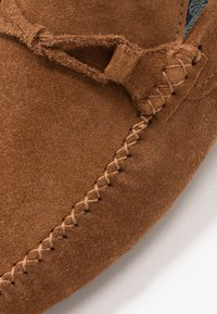 Burton Menswear London - FORD DRIVER - Mokasíny - tan - 5