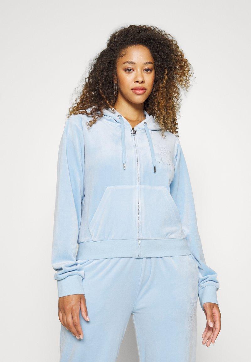 Juicy Couture - NUMERAL HOODIE - Zip-up sweatshirt - powder blue