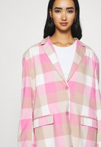 Monki - GRACE - Blazer - pink - 6