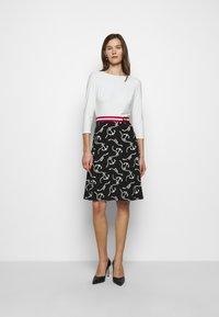 Lauren Ralph Lauren - PRINTED MATTE DRESS BELT - Day dress - black/col cream - 0