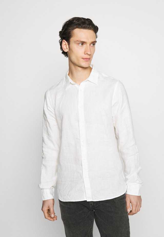 REGULAR FIT- GARMENT-DYED WITH SLEEVE ROLL-UP - Overhemd - white
