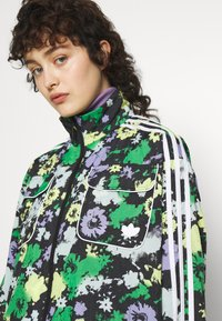 adidas Originals - ORIGINALS TREFOIL MOMENTS WINDBREAKER LOOSE - Training jacket - multicolour - 5
