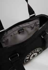 Kipling - ONALO - Sports bag - lively black - 4