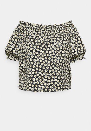 OFF THE SHOULDER DAISY - Print T-shirt - black