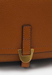 Coccinelle - FAUVE SHOULDER BAG - Across body bag - caramel - 5