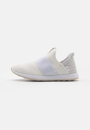 EVER ROAD DMX SLIP ON 4 - Chaussures de course - white/stucco