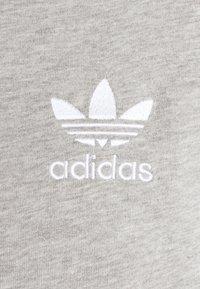 adidas Originals - STRIPES TEE - T-shirt med print - medium grey heather - 6