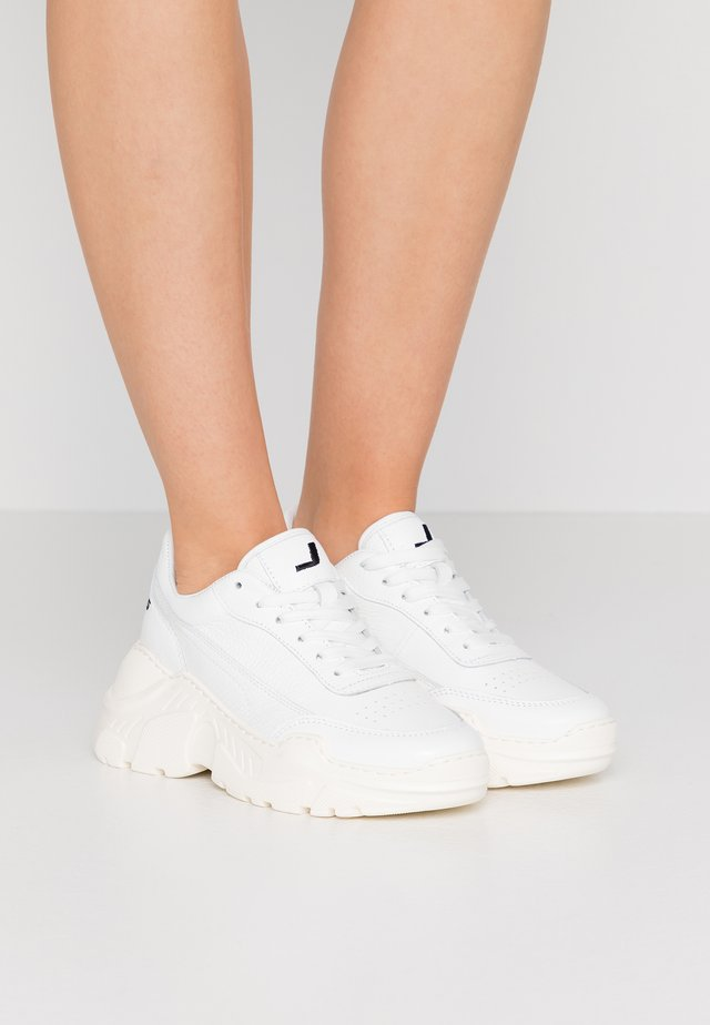 ZENITH CLASSIC DONNA - Sneakers basse - white