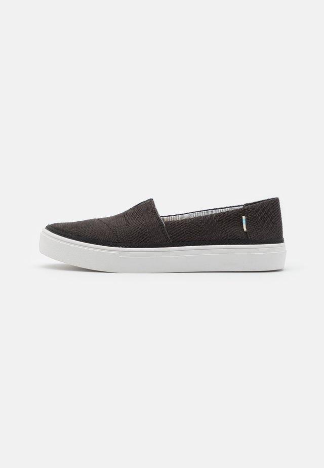 PARKER VEGAN - Sneakers laag - black