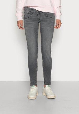 Slim fit jeans - oxy