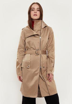 Waterproof jacket - beige