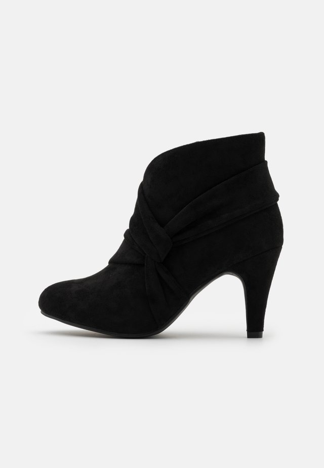 WIDE FIT WINDING - Ankle boots - black