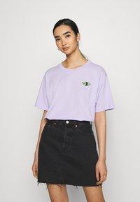 Monki - TOVI TEE - Print T-shirt - lilac - 0