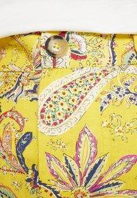 Desigual - PANT LUCAS - Pantalon classique - yellow - 5