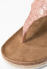 Dorothy Perkins Wide Fit - WIDE FIT FABLE FOOTBED TOE POST - tåsandaler - rose gold glitter - 2
