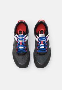 Nike Sportswear - REACT LIVE UNISEX - Sneakers basse - grey fog/game royal/platinum tint/iron grey - 3