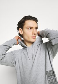 YAVI ARCHIE - MARBLE - Sweatshirt - grey - 3