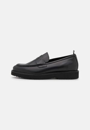 COSMOS LOAFER - Nazouvací boty - black