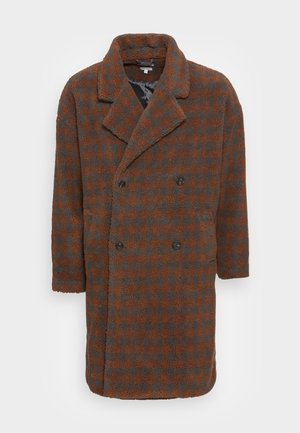 DROP SHOULDER SHERPA CHECK OVERCOAT - Winter coat - brown