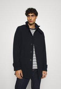 Selected Homme - SLHNOAH COAT  - Classic coat - dark sapphire - 3