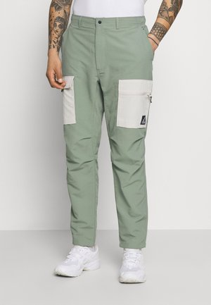 ALL TERRAIN PANT - Reisitaskuhousut - celadon
