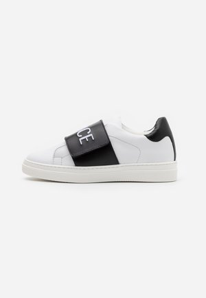 FASCIA RICAMO  - Zapatillas - white/black
