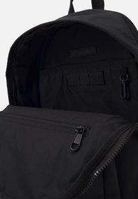 Calvin Klein - CODE CAMPUS UNISEX - Rucksack - black - 2