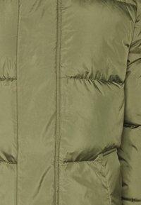 TOM TAILOR DENIM - MODERN PUFFER COAT - Zimní kabát - tree moss green - 7