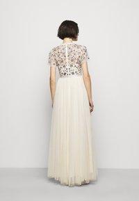 Needle & Thread - PRAIRIE FLORA BODICE DRESS - Společenské šaty - champage - 2