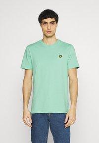 Lyle & Scott - PLAIN - T-shirt - bas - sea mint - 0