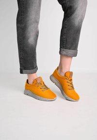 Laerke - Trainers - ark yellow/ grey - 0
