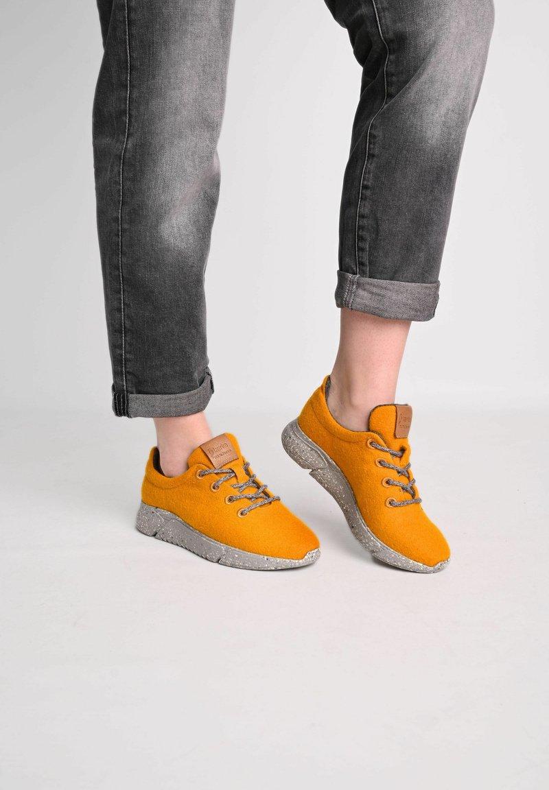 Laerke - Trainers - ark yellow/ grey
