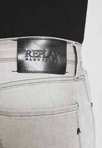 Replay - ANBASS XLITE - Slim fit jeans - medium grey - 4
