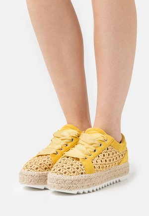Casual lace-ups - old yellow