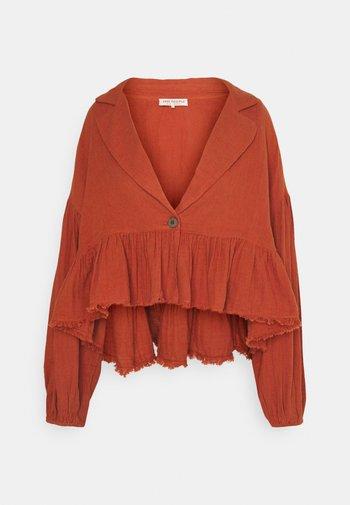 LYRA - Summer jacket - winding road