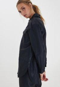 ICHI - IHYOHANNA SH - Button-down blouse - dark navy - 2