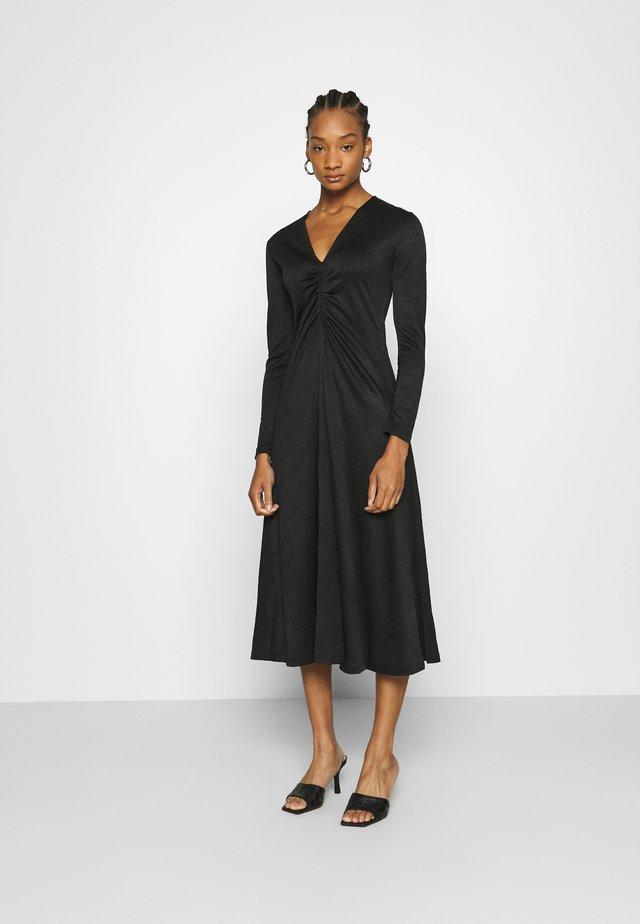 ELSIA DRESS - Jerseyklänning - black