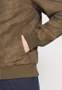 Redefined Rebel - RAFAEL JACKET - Imitatieleren jas - dark brown - 6