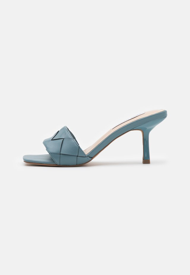 FRENZY - Ciabattine - slate blue