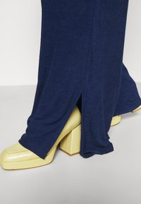 Simply Be - LIGHTWEIGHT JOGGER - Kalhoty - blue - 3