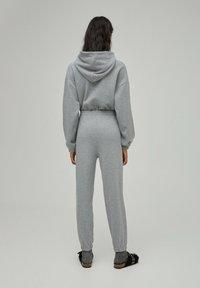 PULL&BEAR - Pantaloni sportivi - grey - 2